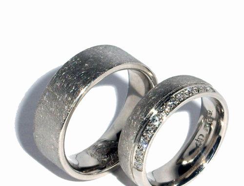 Partnerringe silber gehämmert  Partnerringe Silber – Die Goldschmiedin